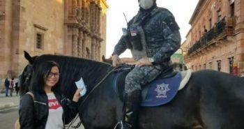 """Unidad de policía montada y canina se suman a operativo de """"Buen Fin."""